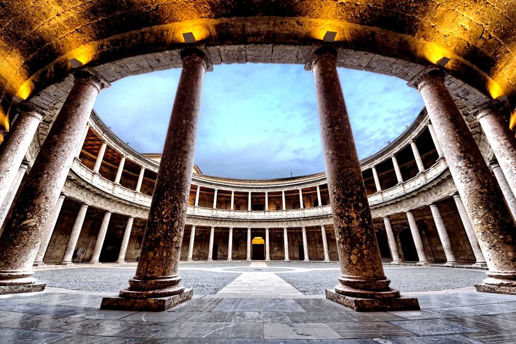 зал альгамбры