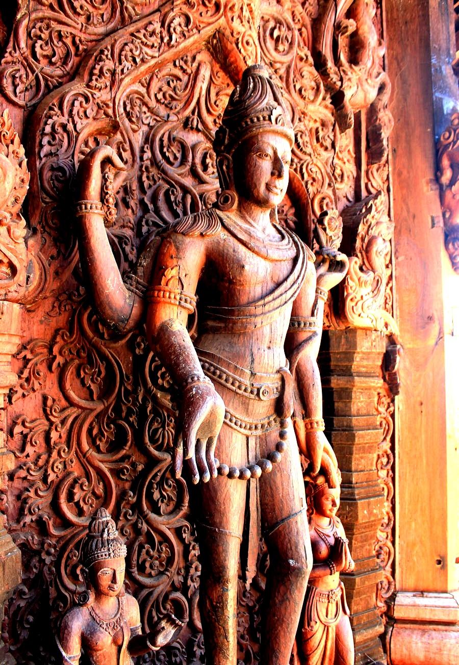 барельефы храма истины