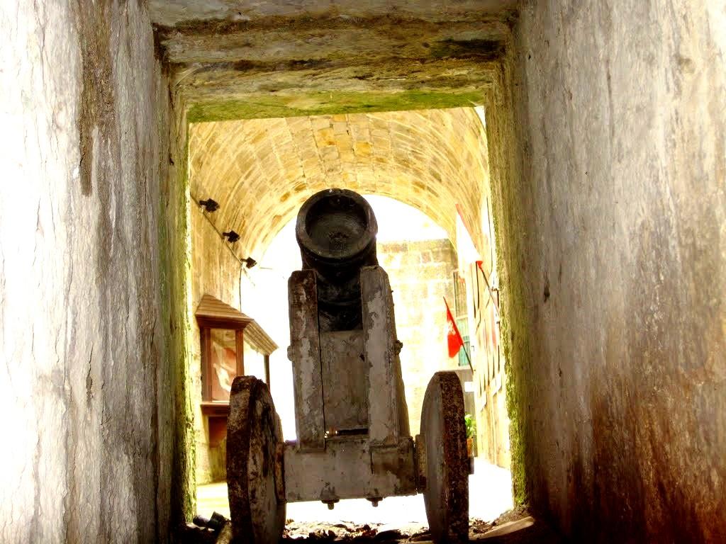 артиллерия замка бутрон