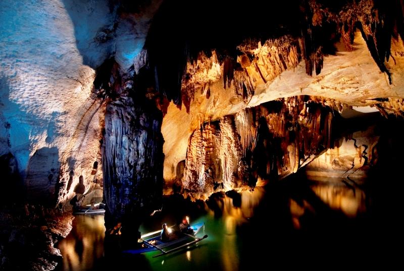 лодка в подземной реке