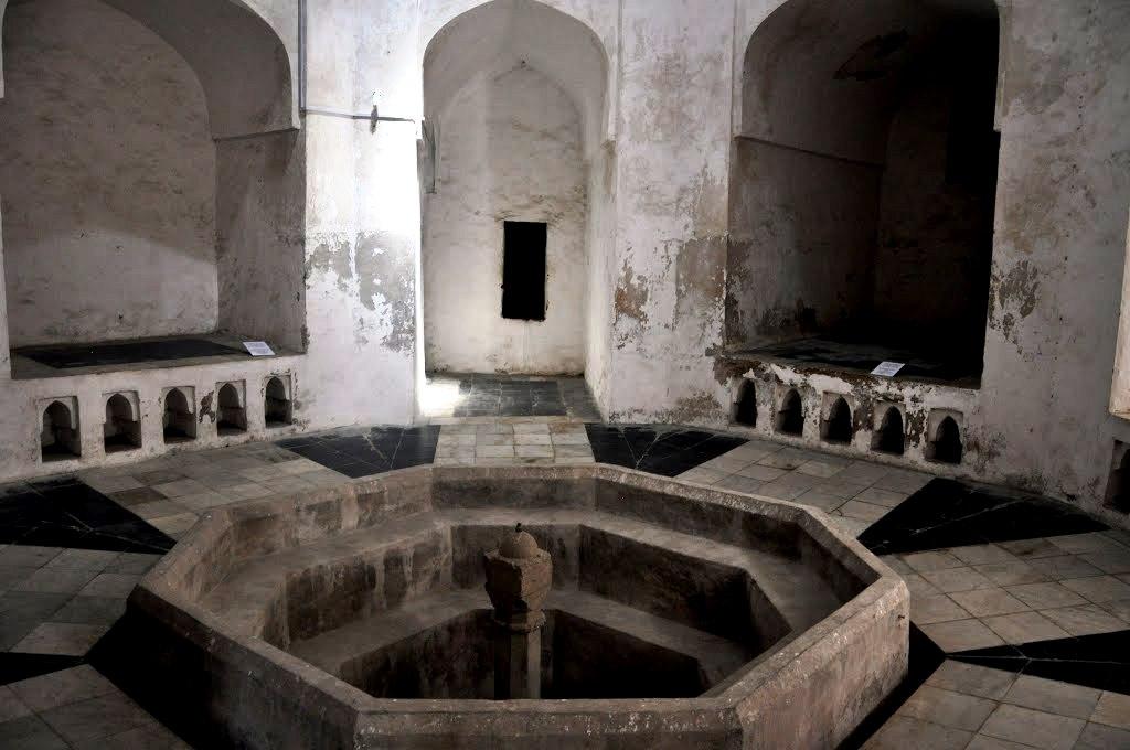 развалины дворца в занзибаре