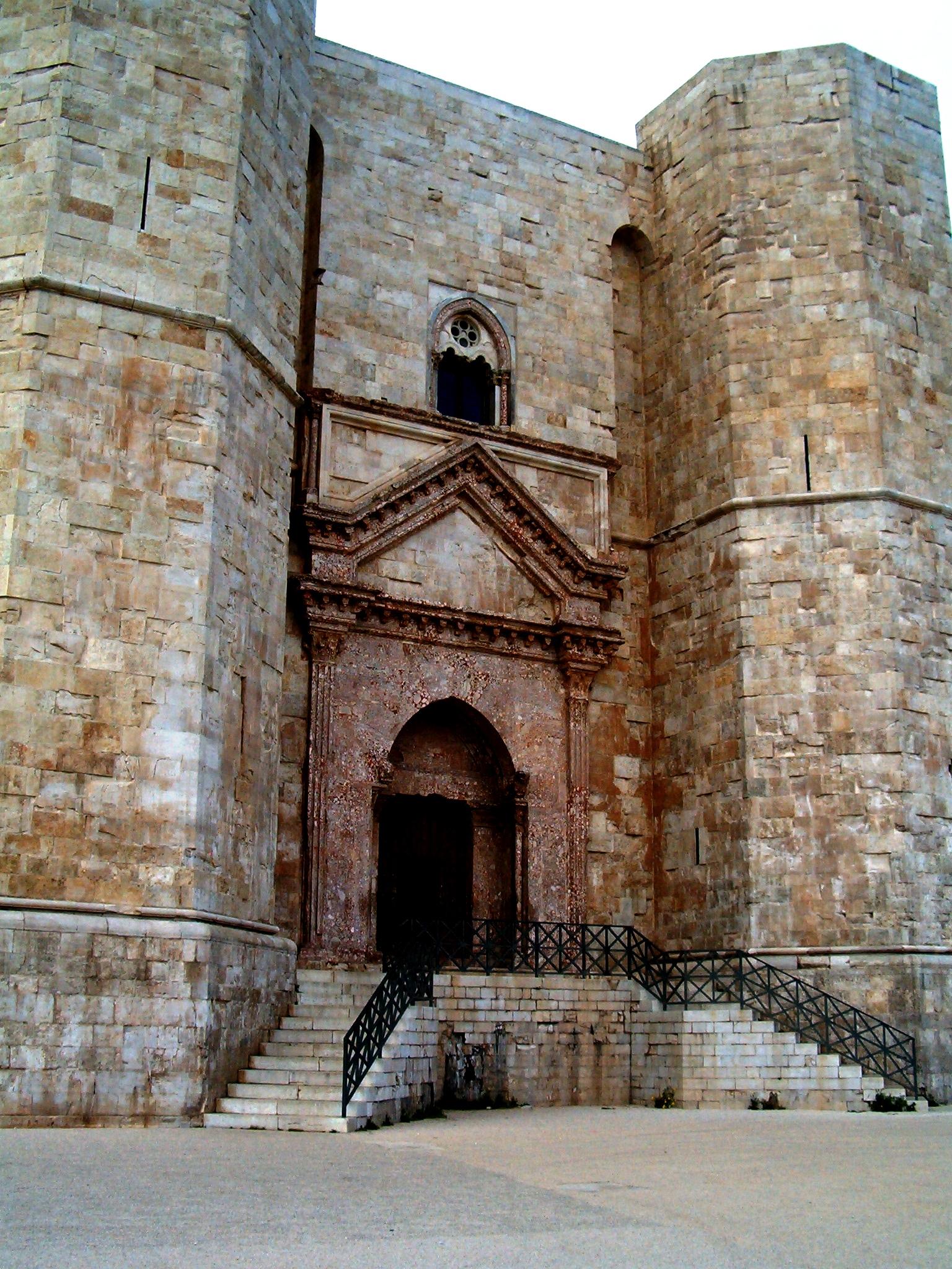 стены кастель дель монте