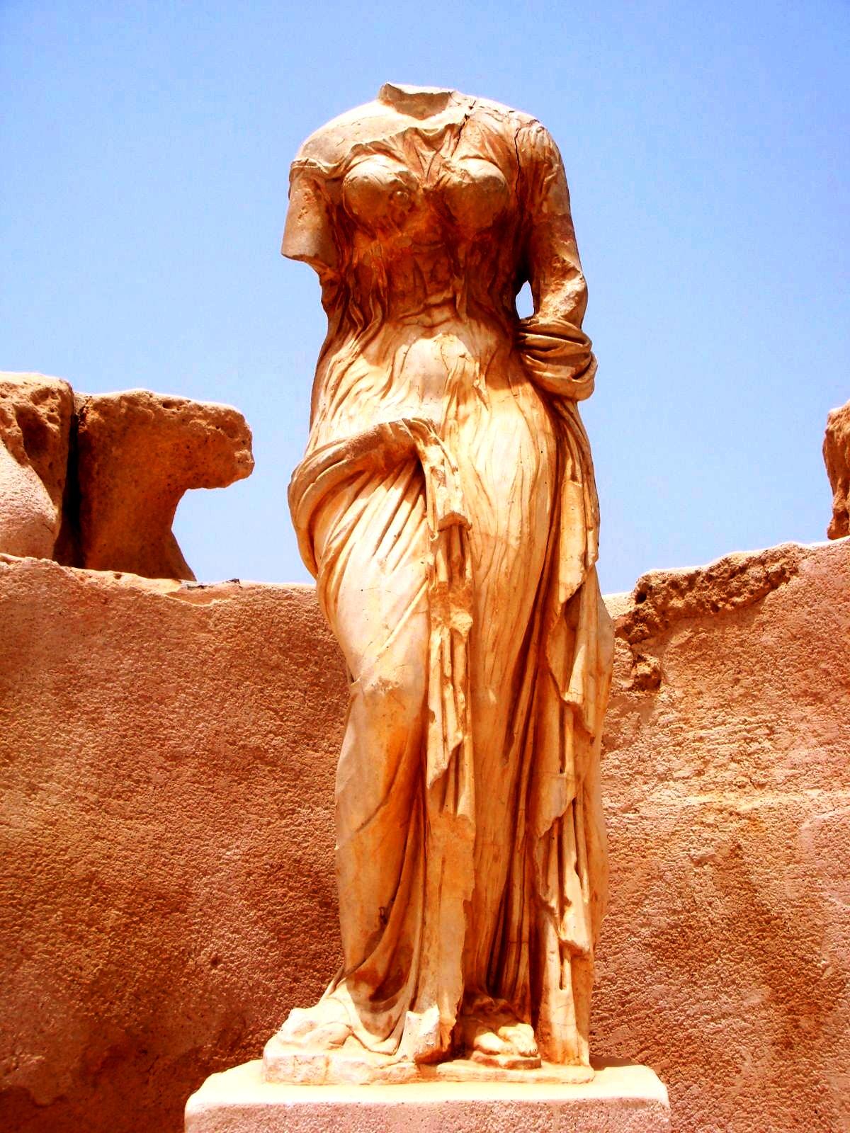 скульптуры сабраты