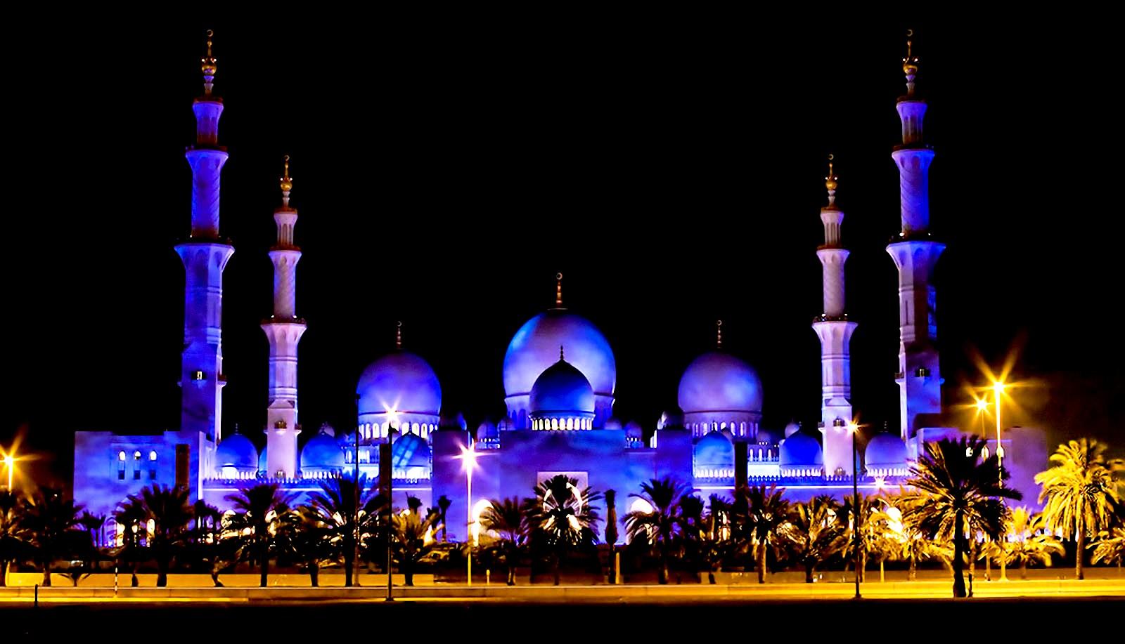 мечеть шейха в сумерках