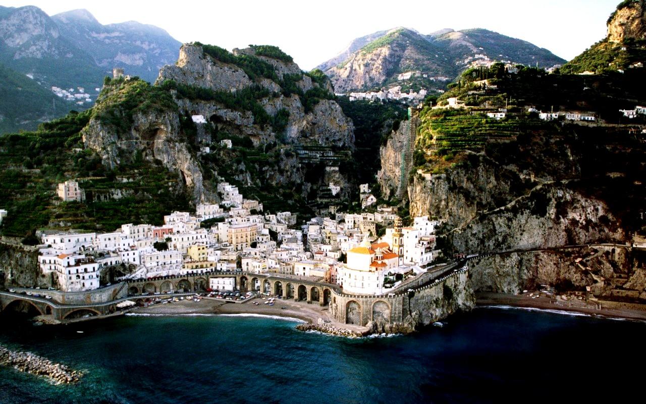 прибрежный городок италии