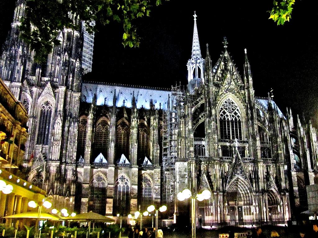 строения кельнского собора