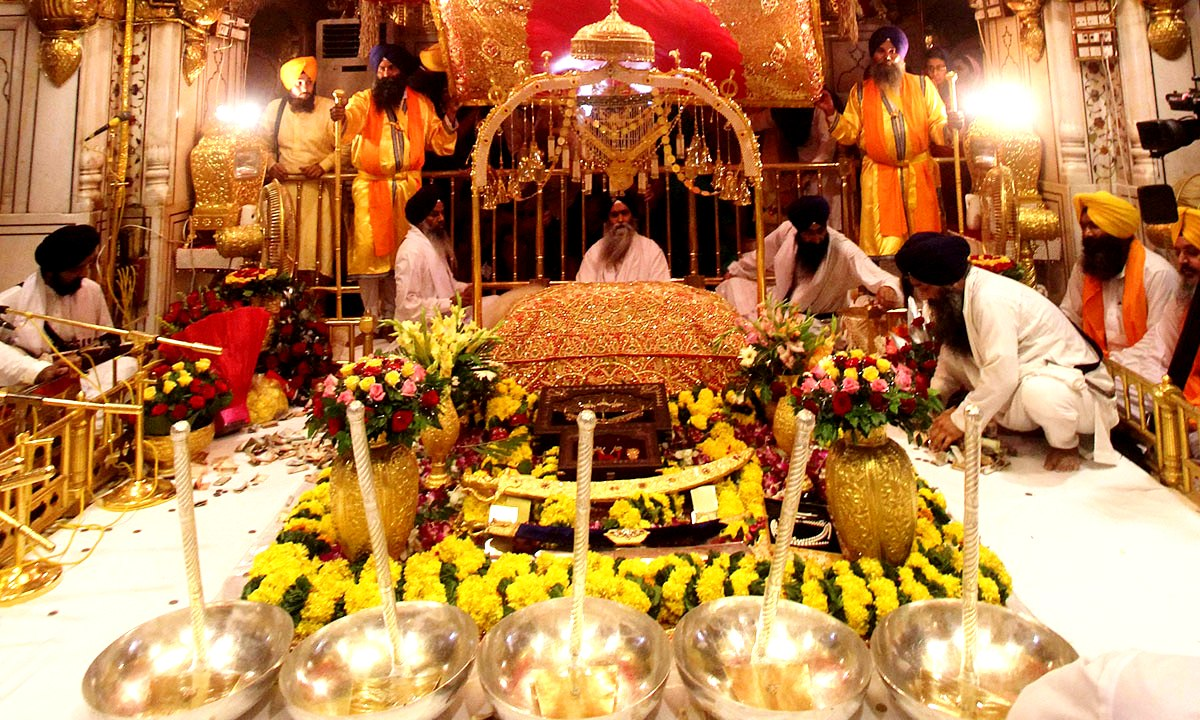 внутри золотого храма