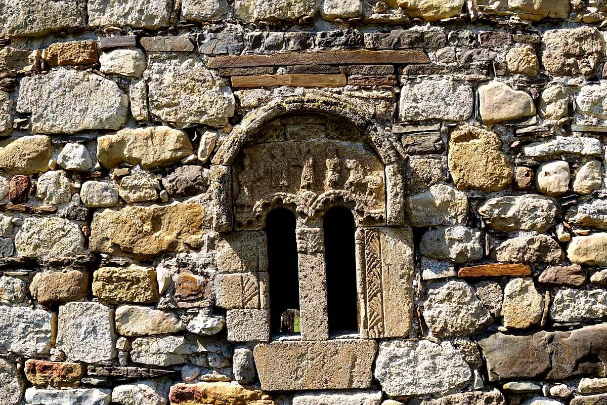 стены тхаба-ерды