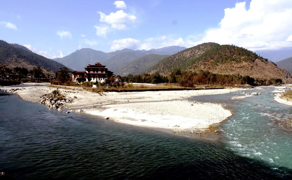 монастырь крепость бутана