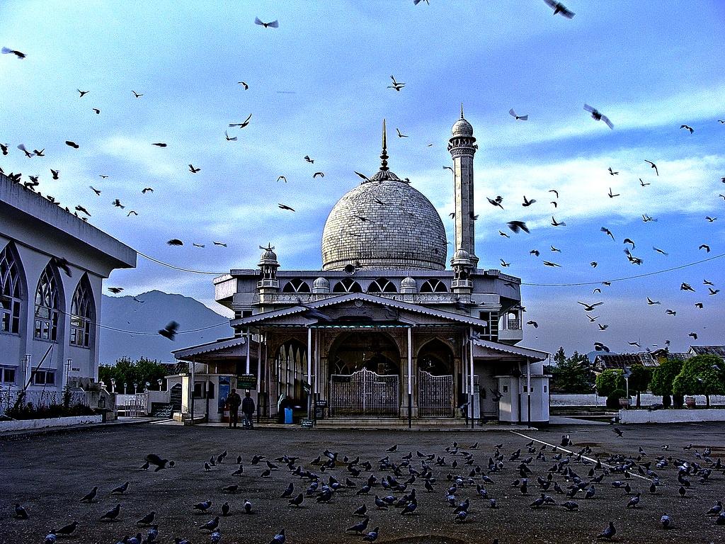 площадь с мечетью