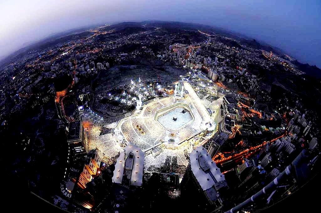 вид из космоса на аль-харам