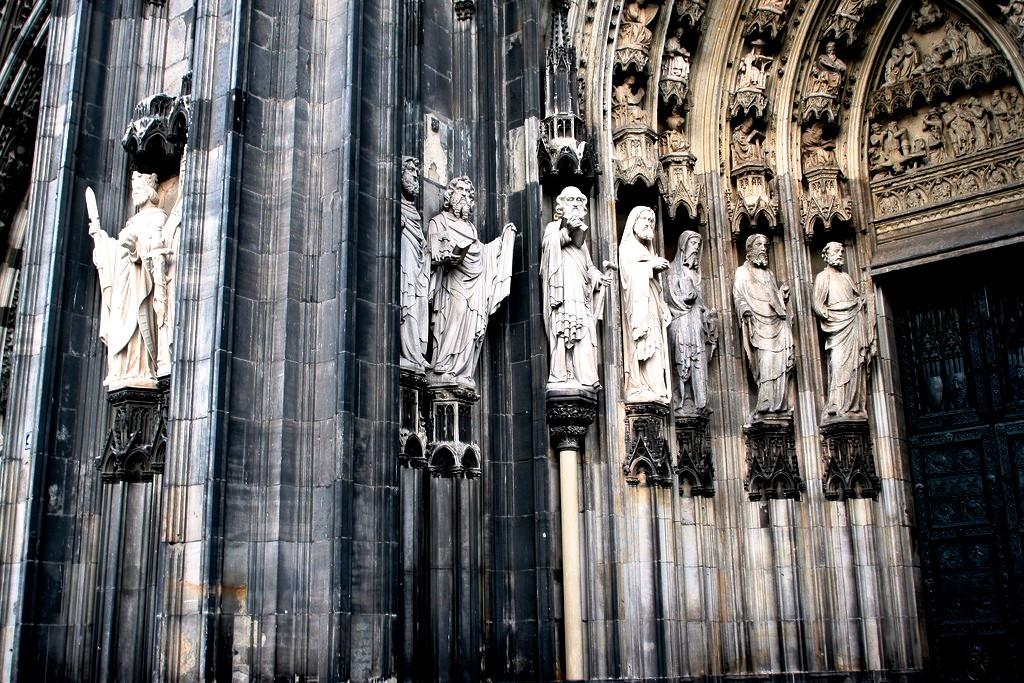 барельефы кельнского собора