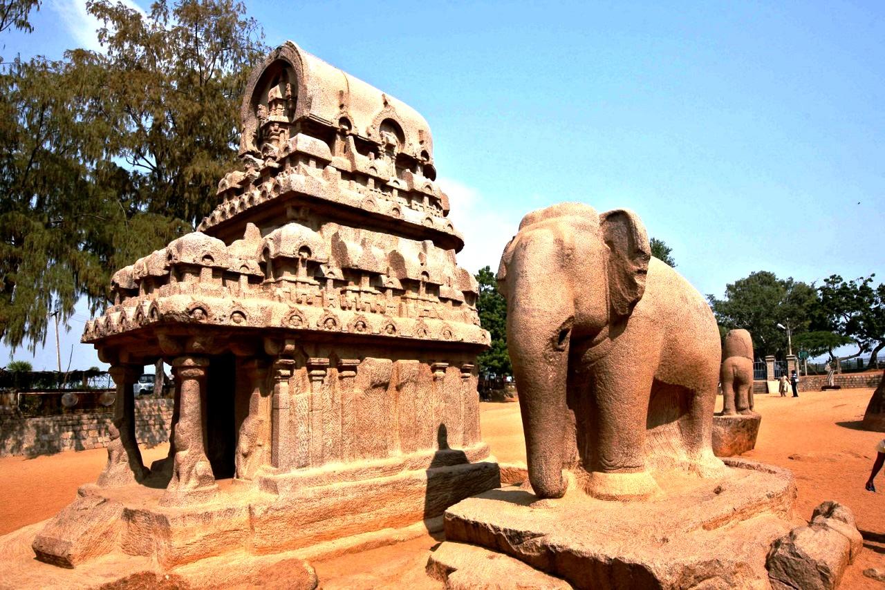 статуя слона в мамаллапураме