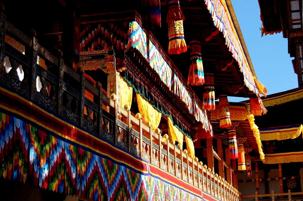 стены пунакха дзонга