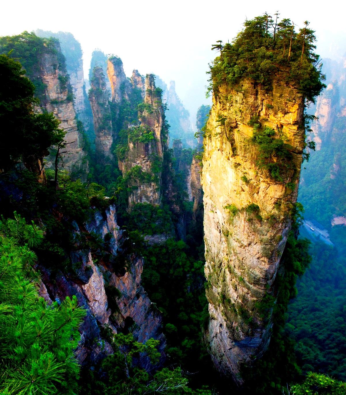 гигантская гора чжанцзяцзе