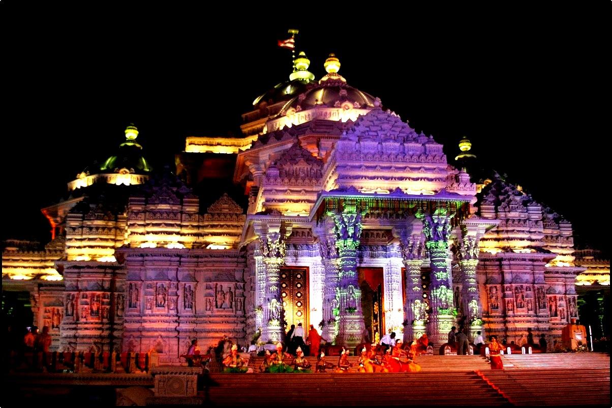 краски храма акшардхам