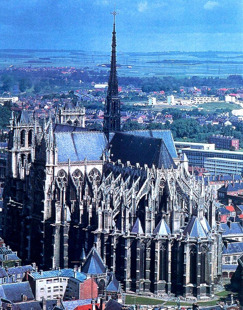вид амьенского собора