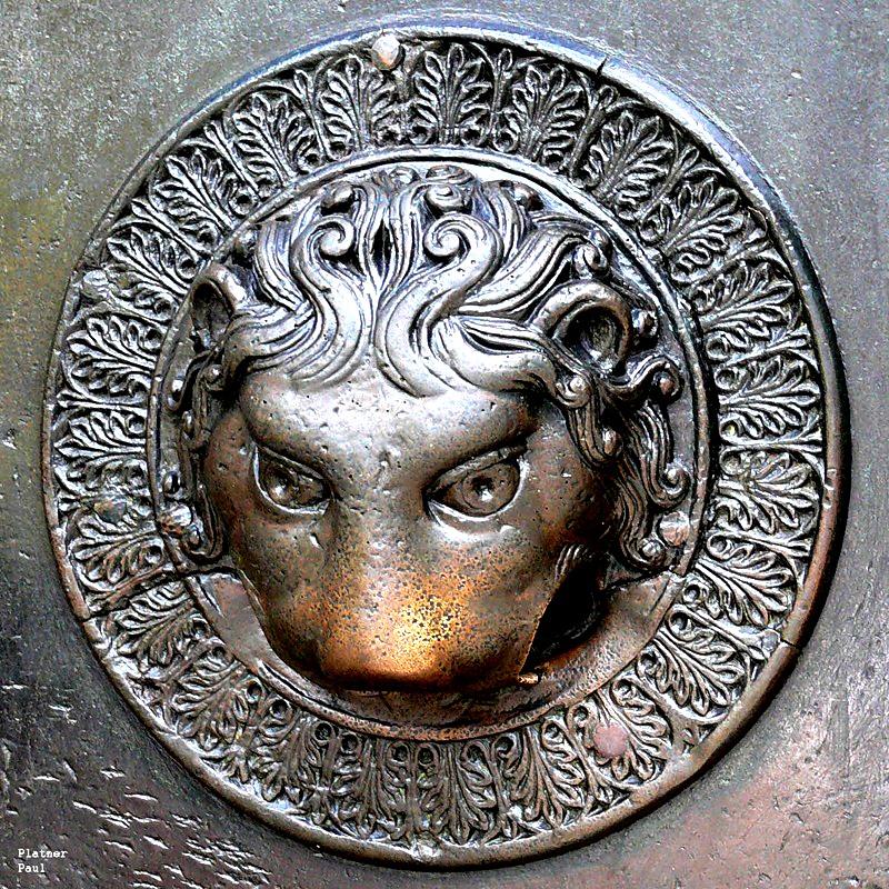 львиные головы волчьих ворот