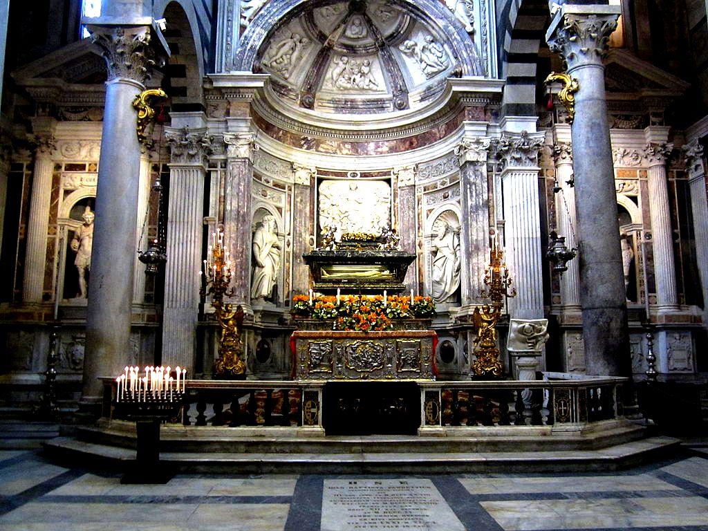 саркофаг святого раньери