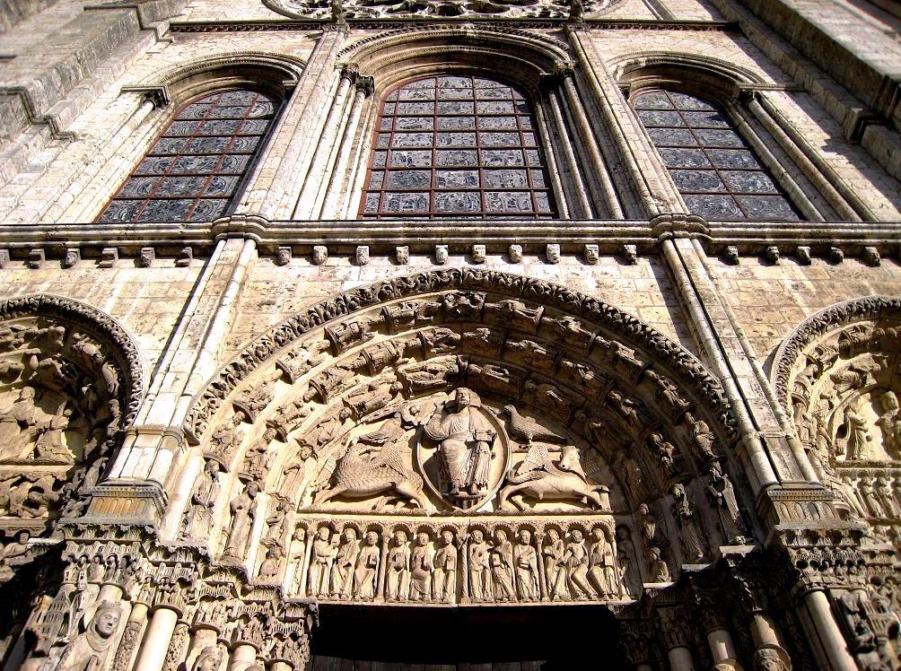 стены шартрского собора
