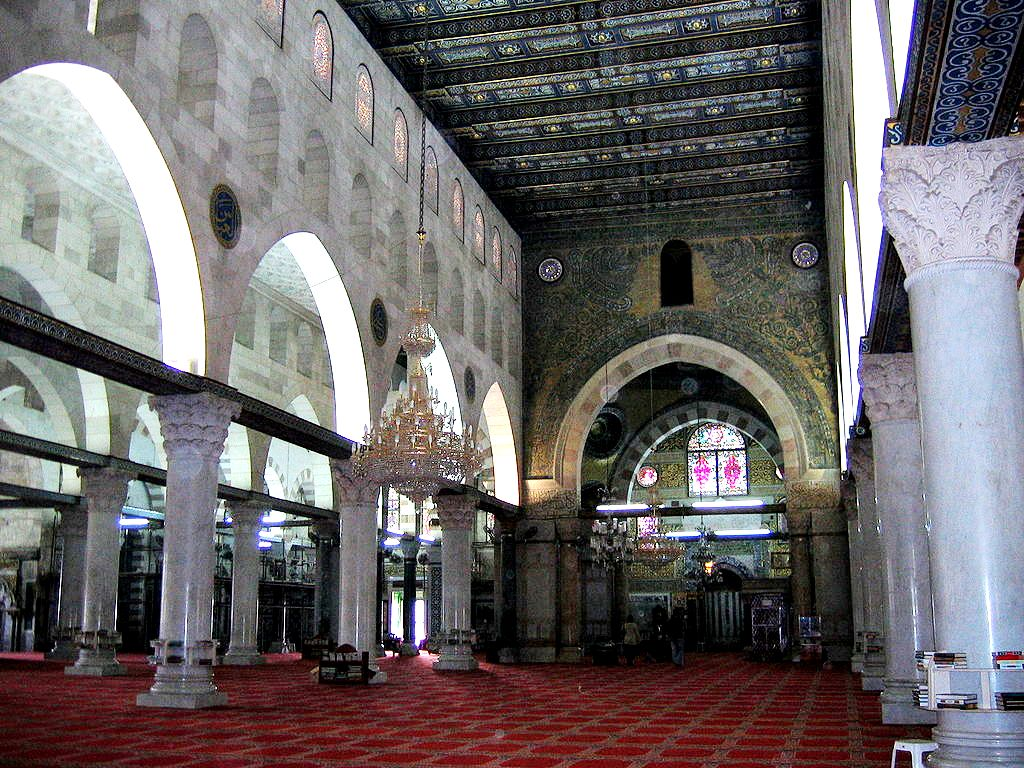 внутри мечети аль-акса