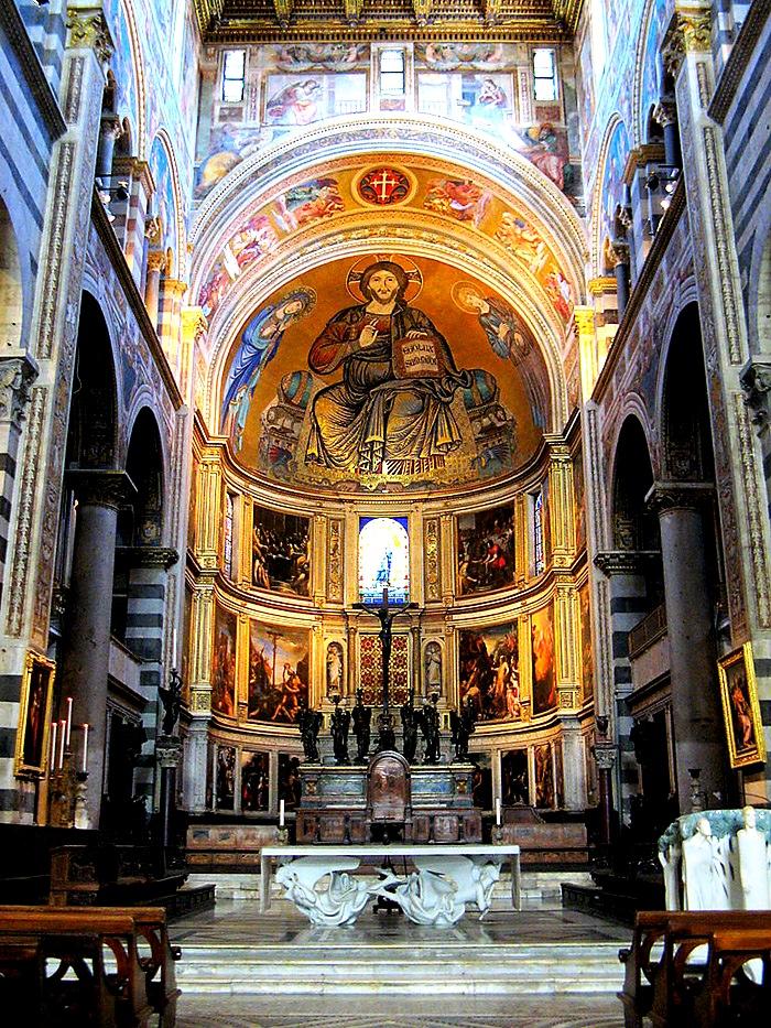 внутри собора пизы