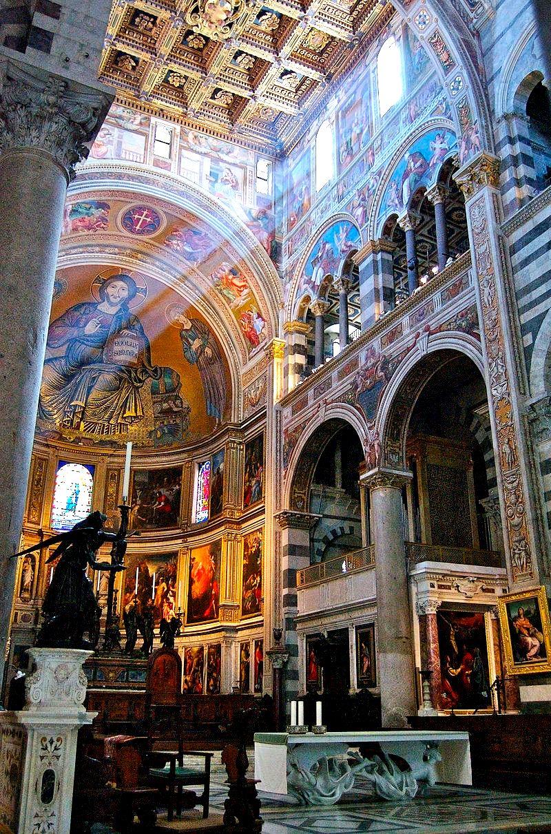 зал пизанского собора