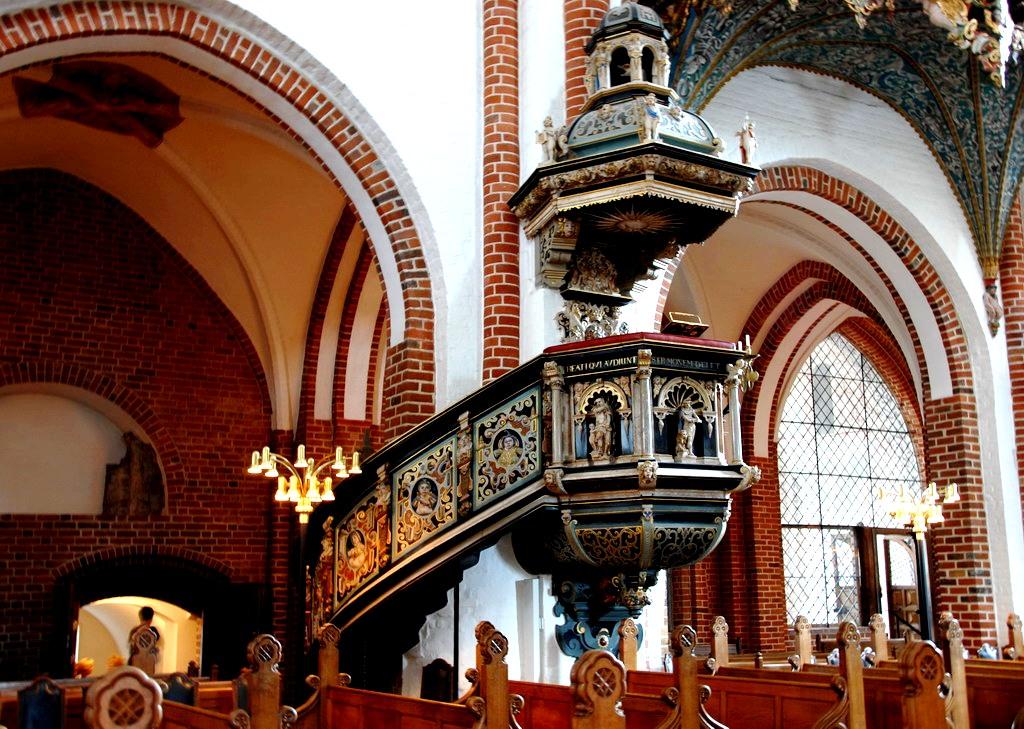 интерьер собора в роскилле