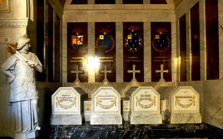 королевские гробницы