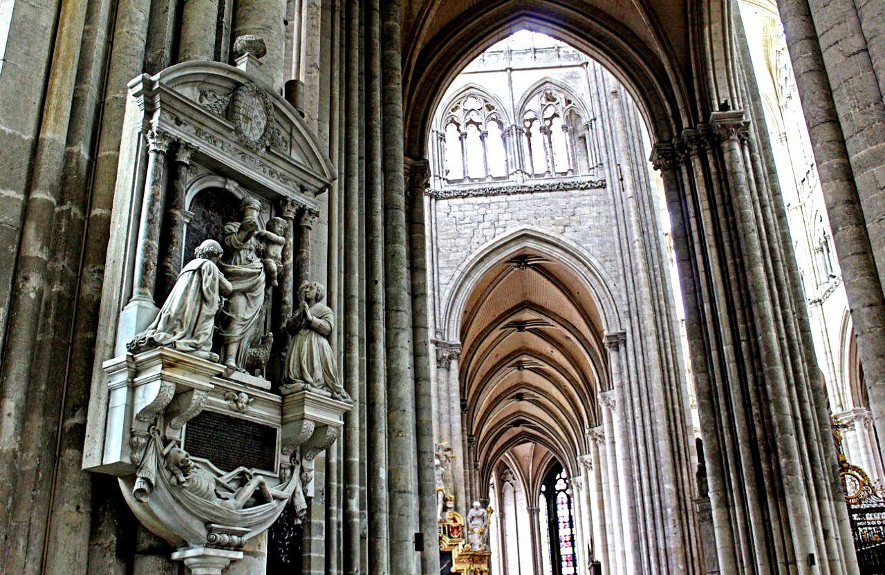 залы амьенского собора