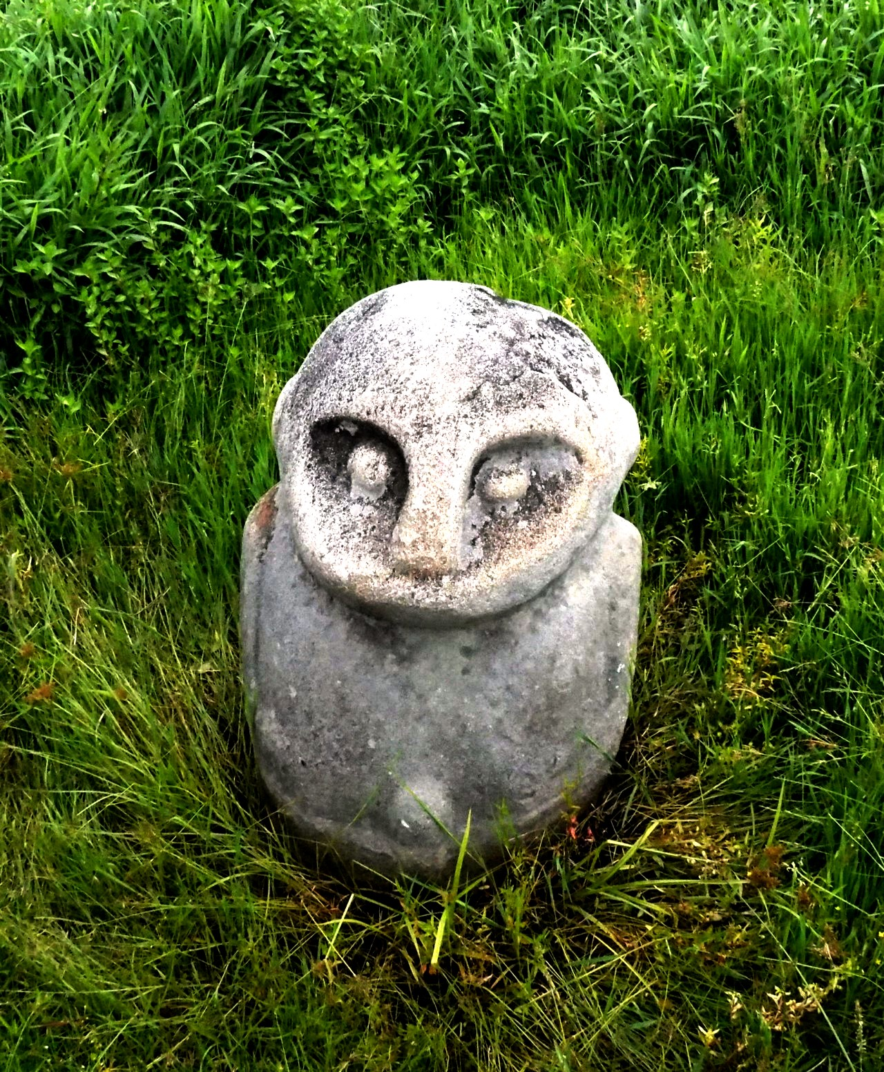 миниатюрная статуя божества