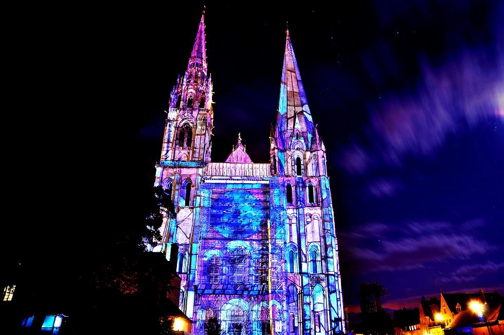 голубые цвета шартрского собора