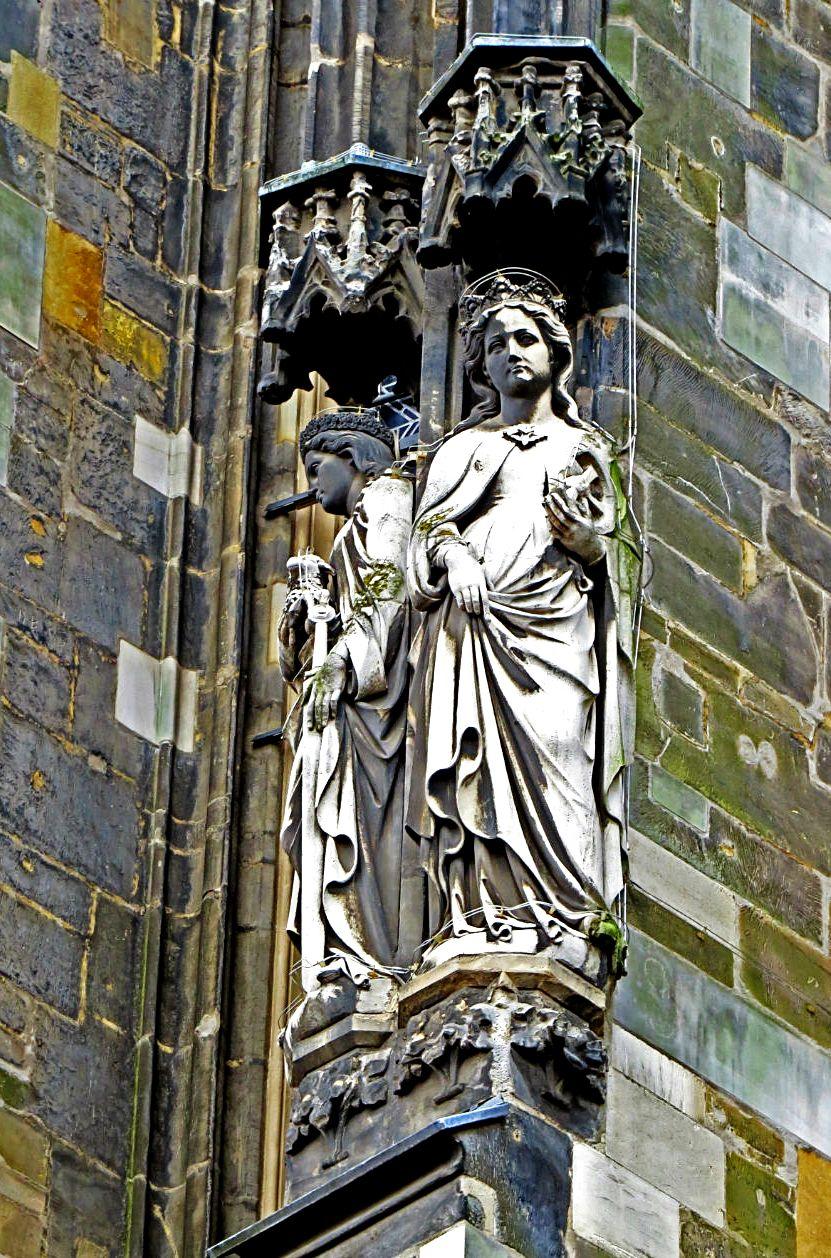 изваяния ахенского собора
