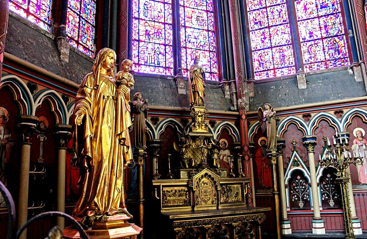 дева мария в амьенском соборе