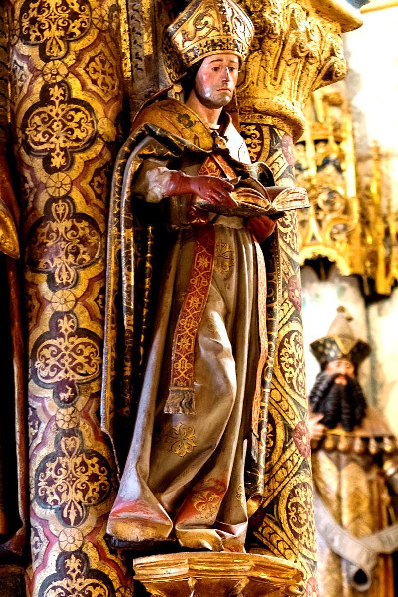 скульптура святого