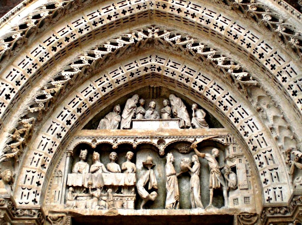 изящные барельефы руанского собора