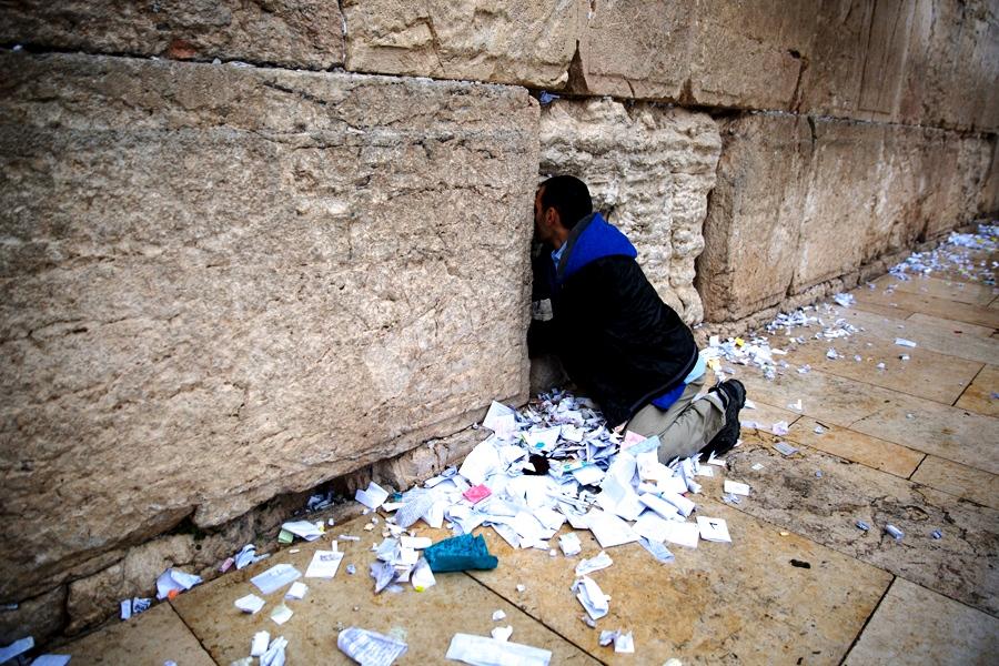 очистка стены плача
