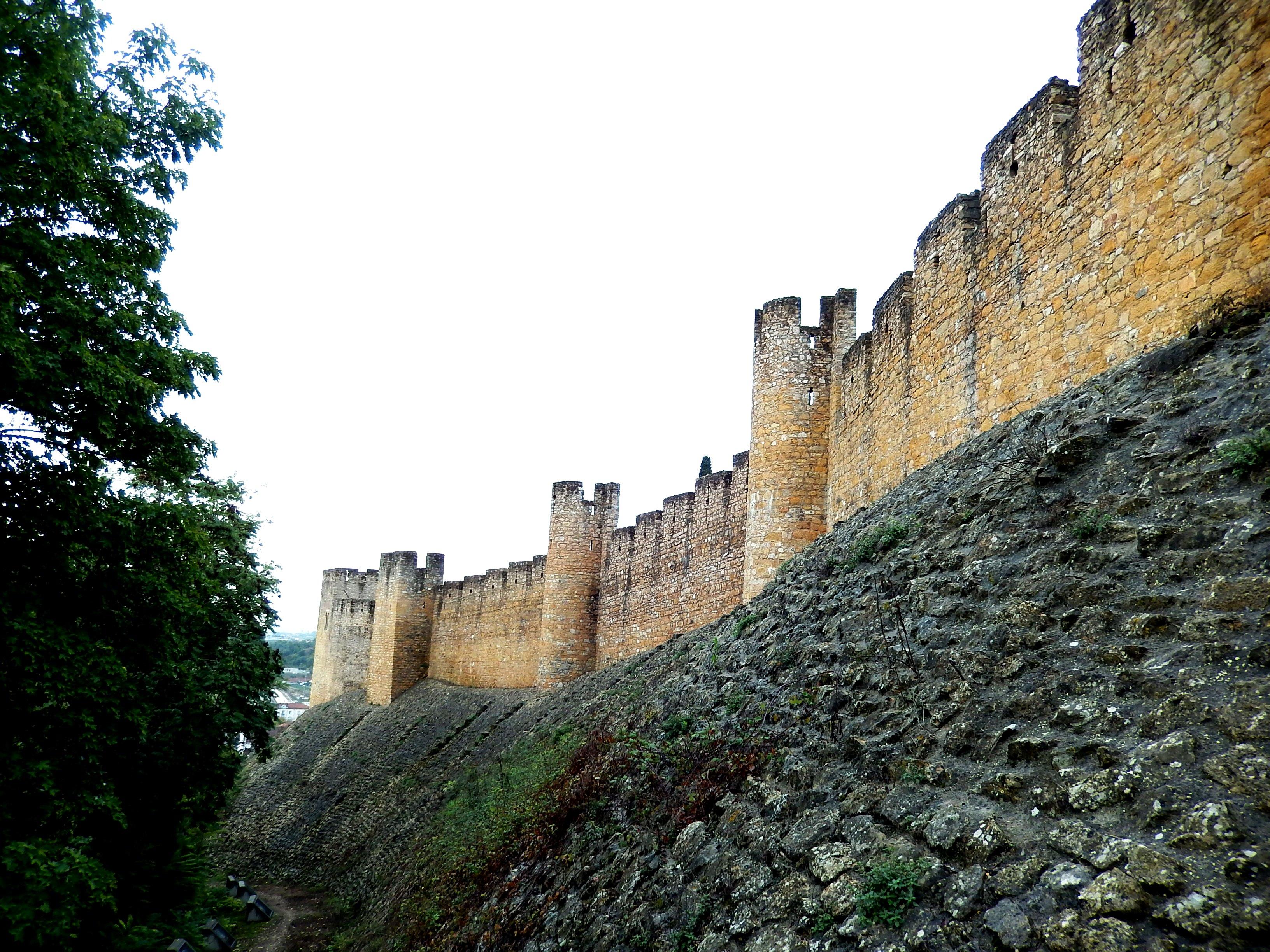 стены замка тамплиеров