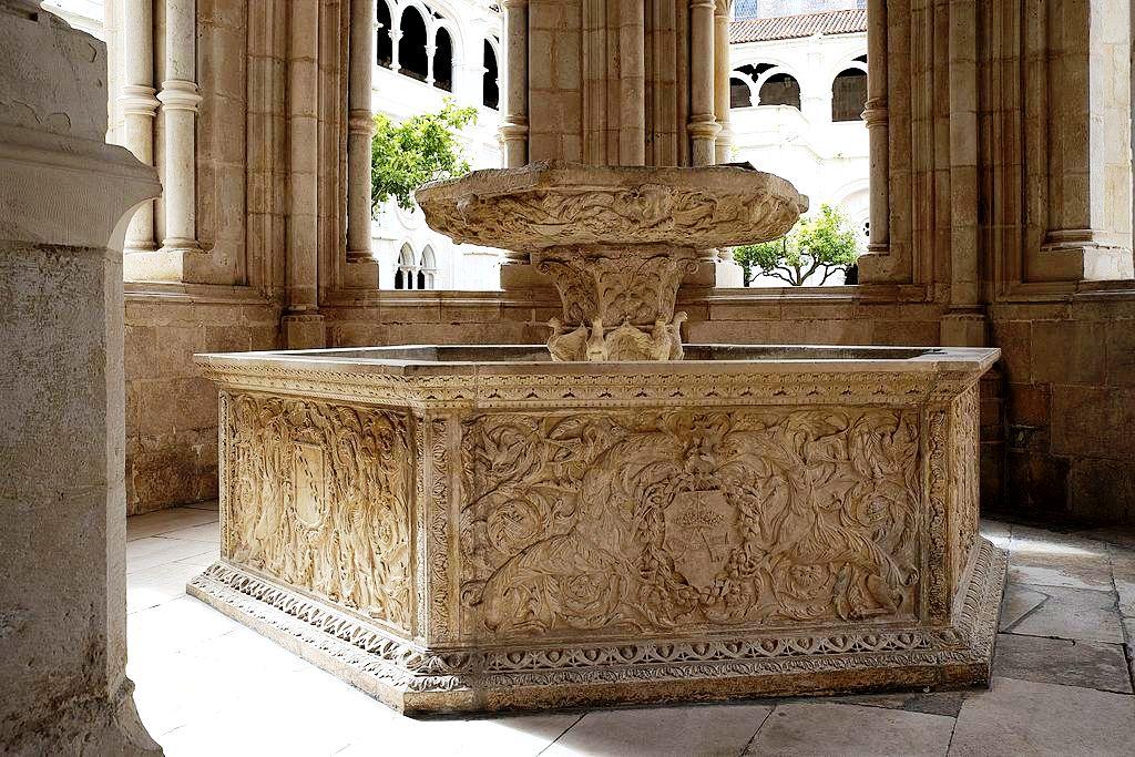 фонтан в алкобасе