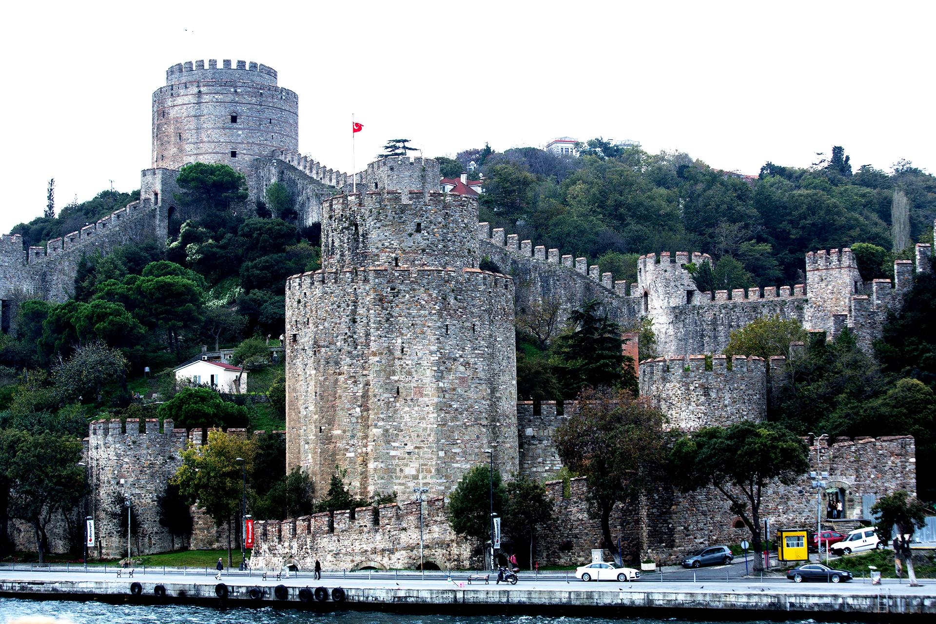 семибашенный замок
