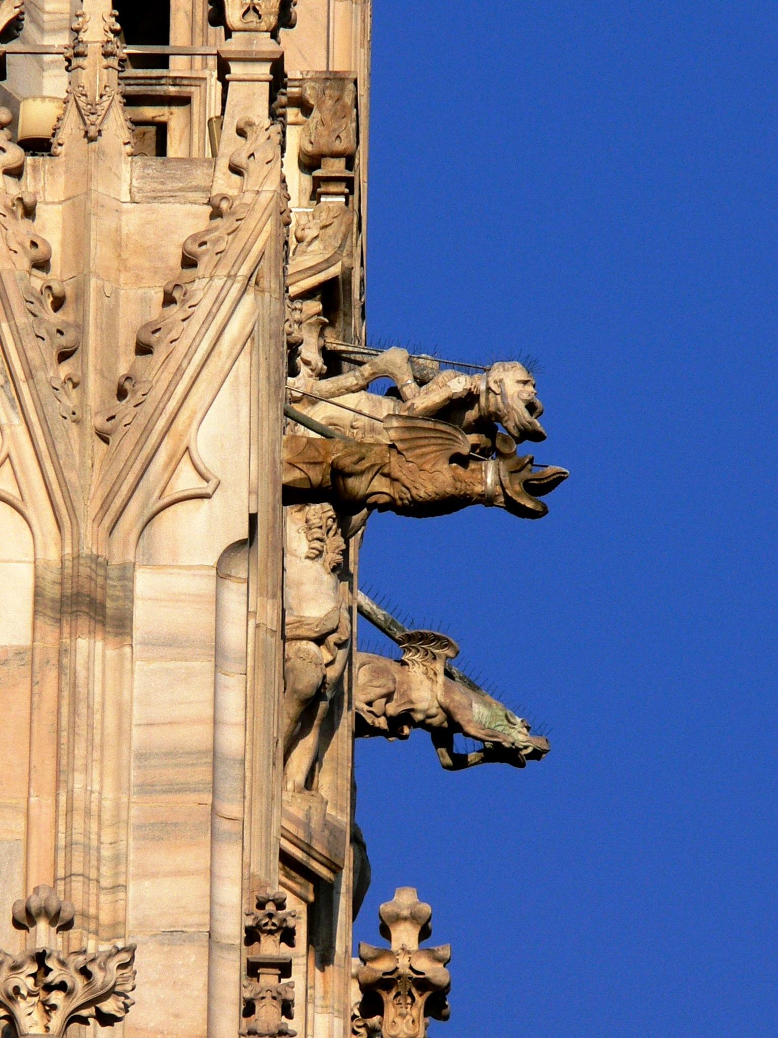 горгульи миланского собора