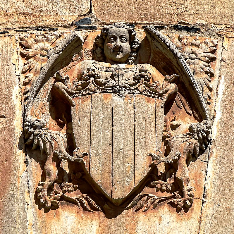 настенный герб в поблете