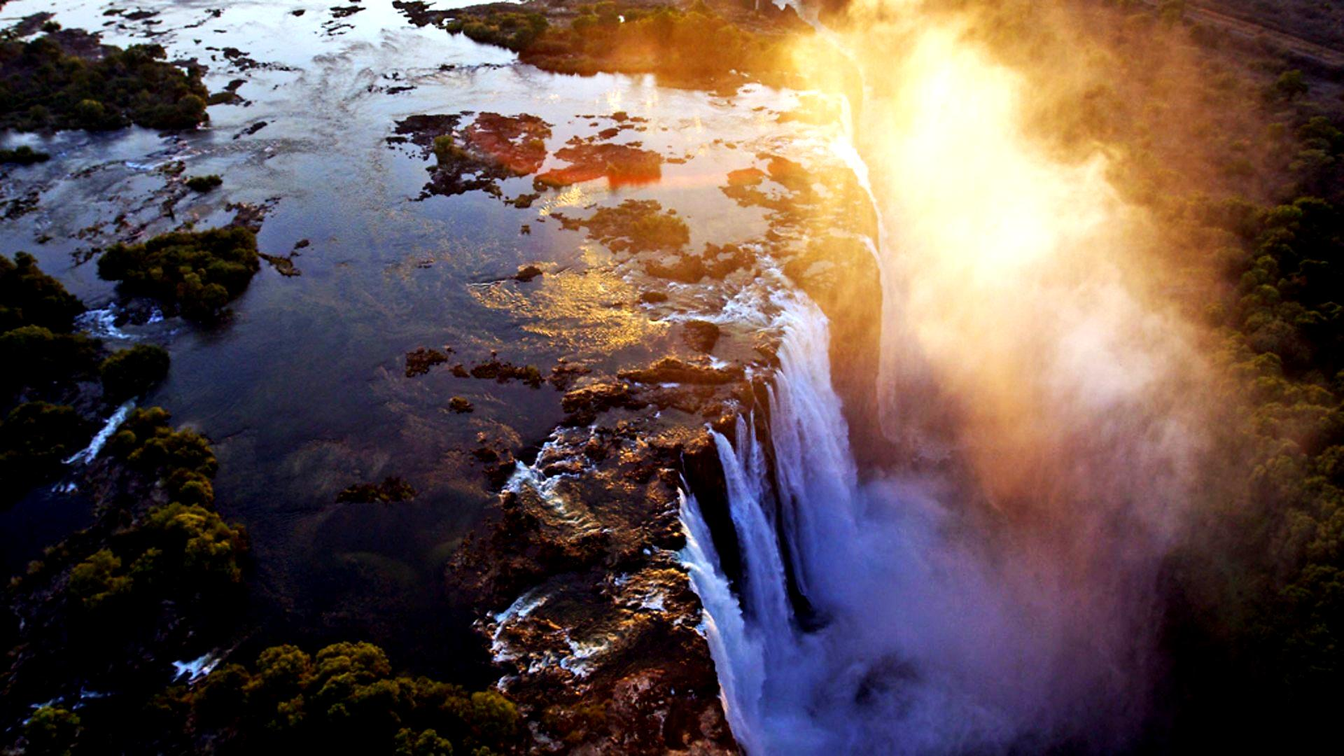 потоки водопада виктория