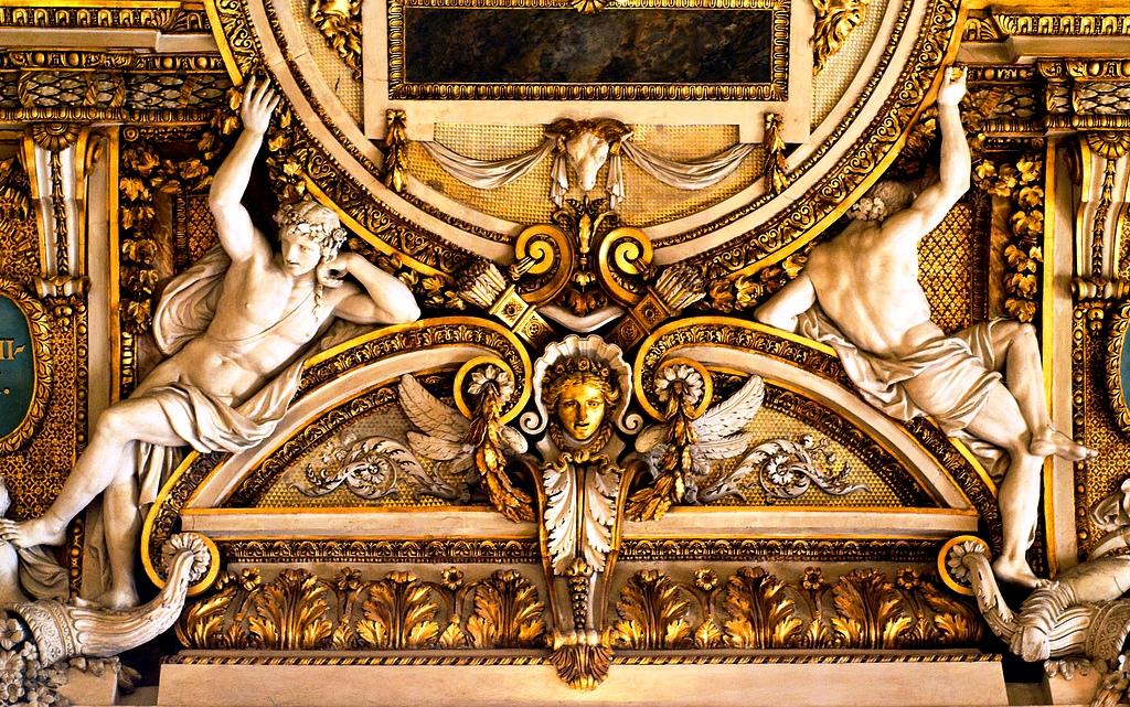 стены лувра