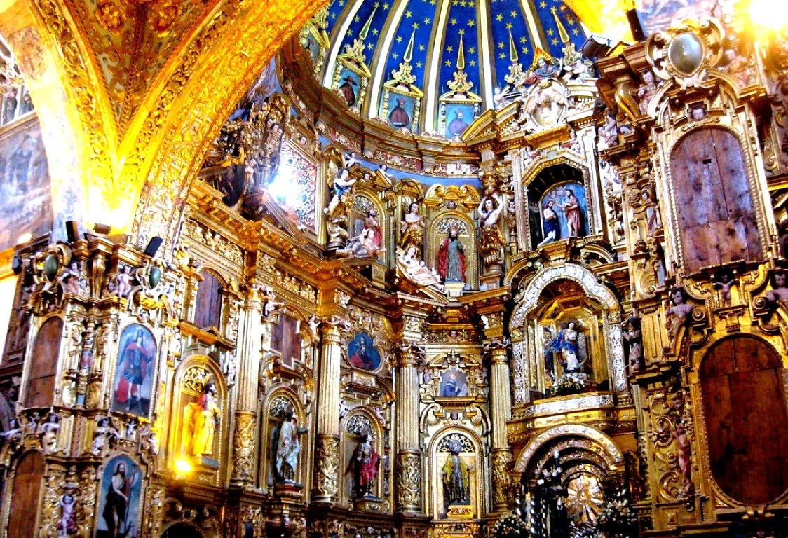 интерьер францисканского монастыря