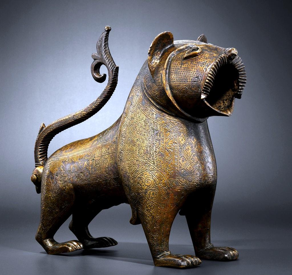 статуя грифона