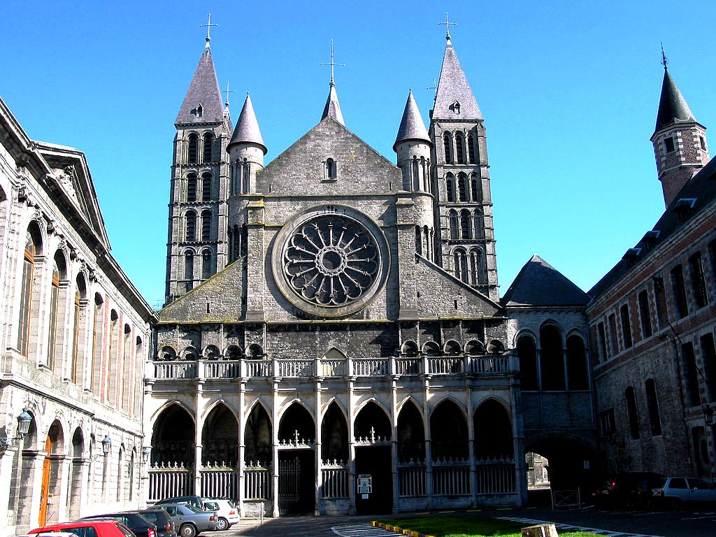 фасад собора в турне