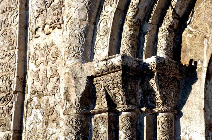 богатые украшения георгиевского собора