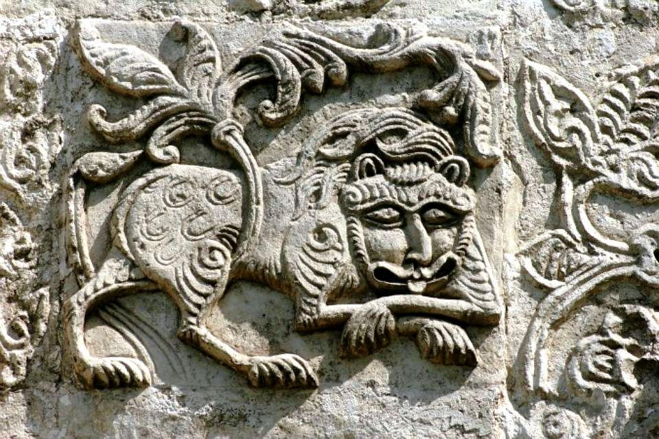 барельефы собора