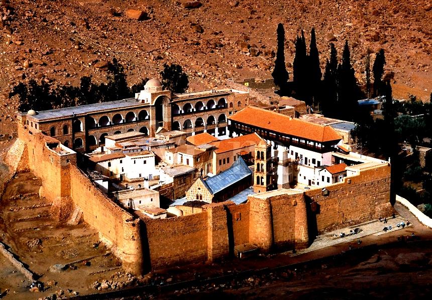 вид на монастырь святой екатерины